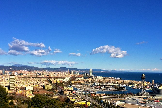 Best of Barcelona Private Tour: Sagrada Familia and Old Town with Hotel Pick-up