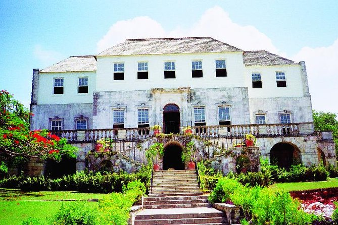 Falmouth Shore Excursion: Rose Hall Great House, Doctor's Cave Beach and Montego Bay City Tour