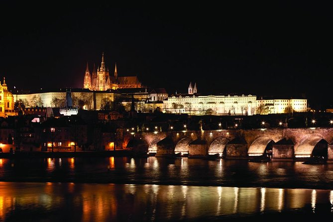 Prague 2-hour Night Dinner Cruise on Vltava River