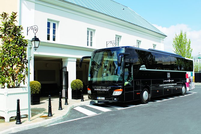La Vallée Village Shopping Outlet Round-Trip Transport from Paris