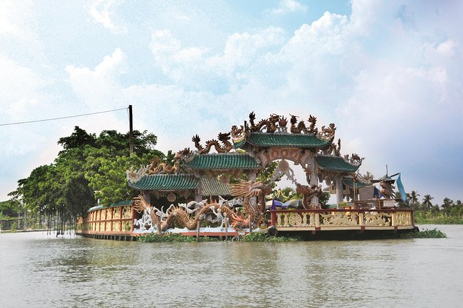 Dragon Floating Temple Sightseeing by Luxury Speedboat