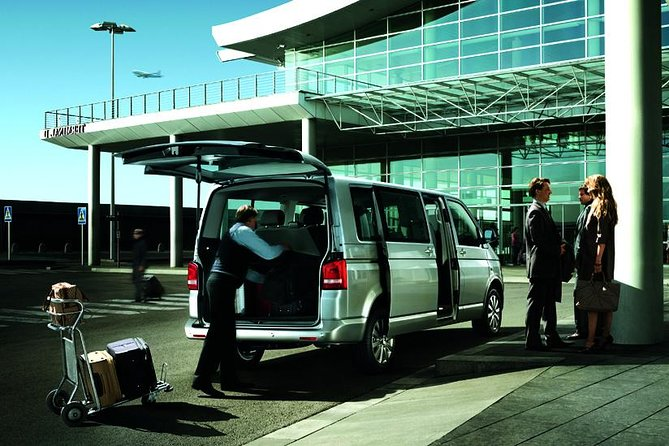 Shared London Arrival Transfer - Airport to Hotel / Accommodation