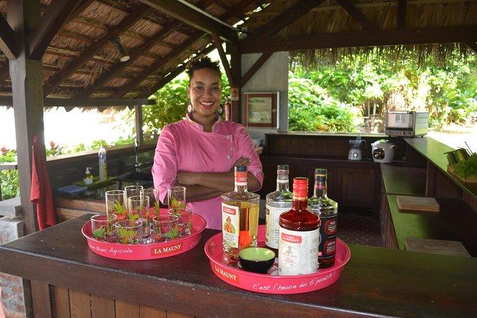 Cours de cuisine créole et dégustation de rhum à la distillerie La Mauny