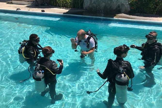 PADI 3-Day Open Water Diver Course in Cancun