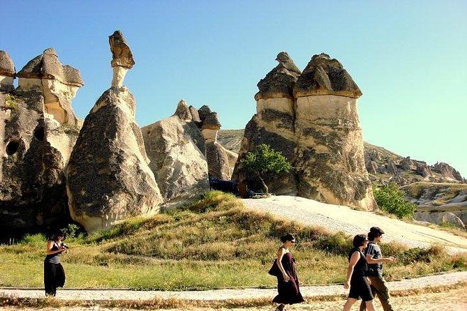 Small-Cappadocia Full Day City Tour med flygplats Transport och Lunch