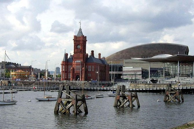 Cardiff Lunch & Landmarks Tour