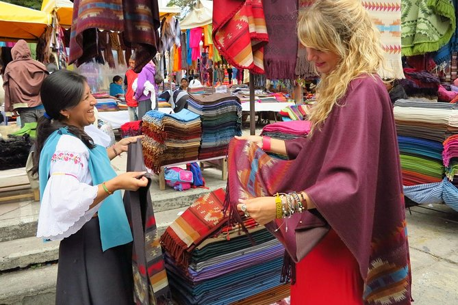 Full-Day Tour Otavalo Market, Peguche Workshops and Cuicocha Lake from Quito