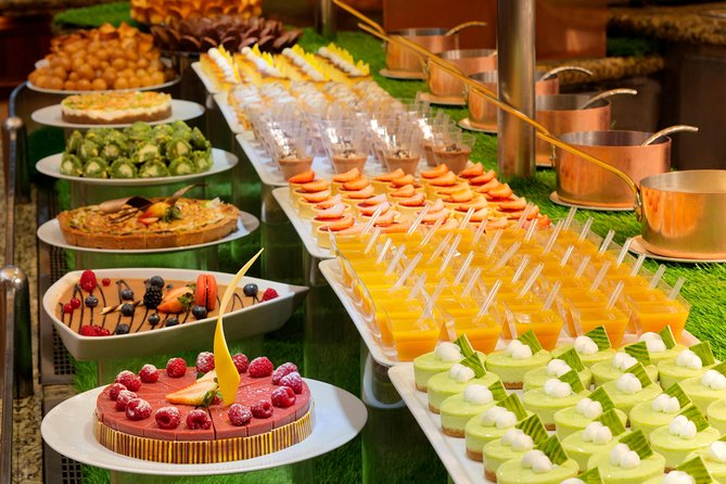 Atlantis the Palm Dinner Buffet photo 3