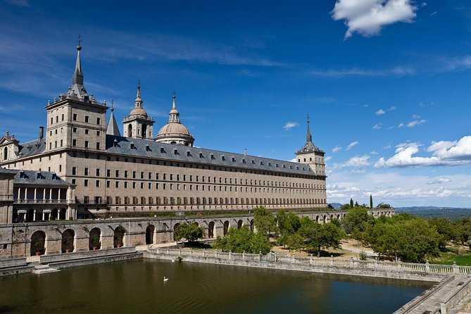 El Escorial, Valley of the Fallen morning tour & Night Flamenco Show with drink