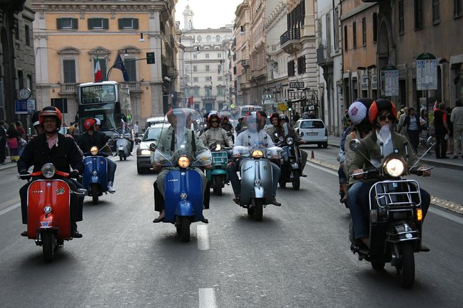 Vintage Vespa Tour of Rome with driver in half day
