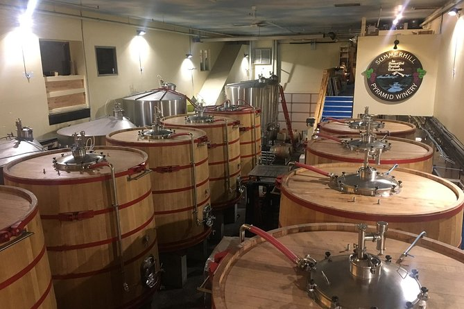 Kelowna Wine Tour with Three Winery Stops