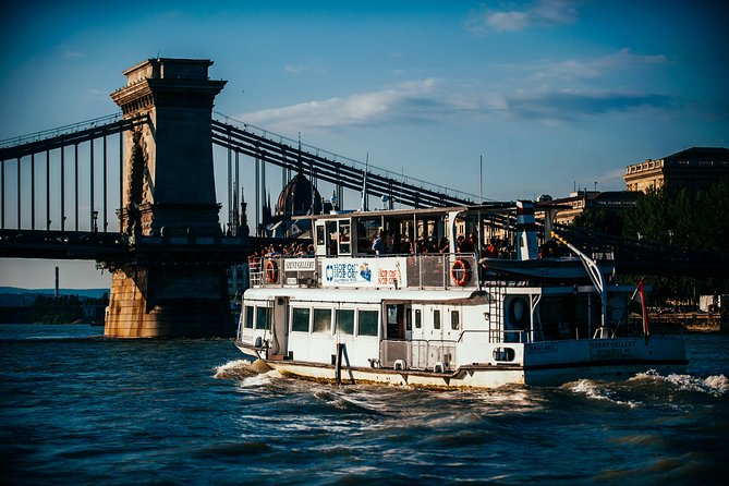 Budapest Sightseeing Danube River Cruise ticket24h unlimited use 55min per round