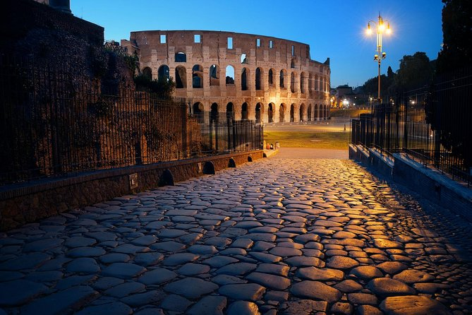 Colosseum Guided Tour with Exclusive Gladiator's Entrance and Arena Floor
