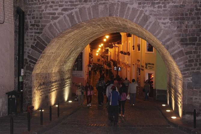 Night Tour in Quito with free time in La Ronda