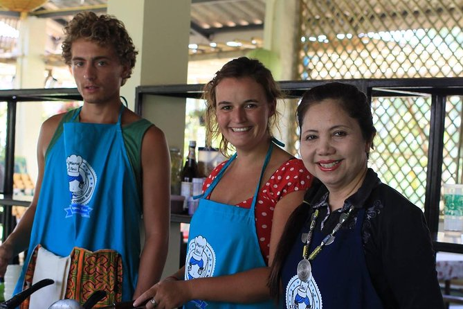 Full-Day Cooking Class Including Market Tour from Chiang Mai