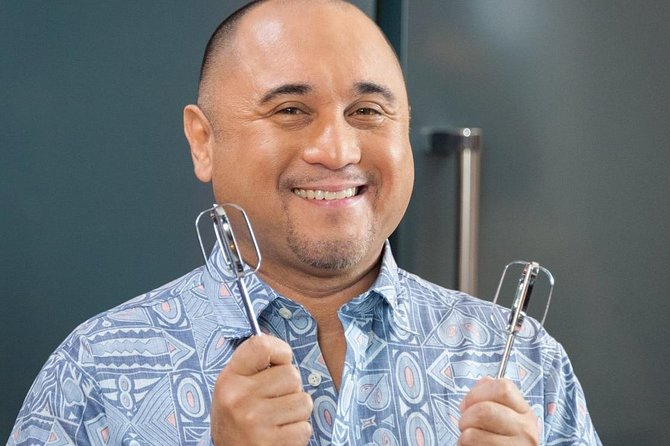 Oahu Food Tour with Emmy-Winning 'Cooking Hawaiian Style' Host