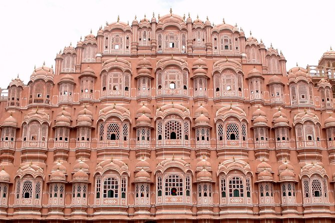 Half Day tour of Jaipur along with Lunch