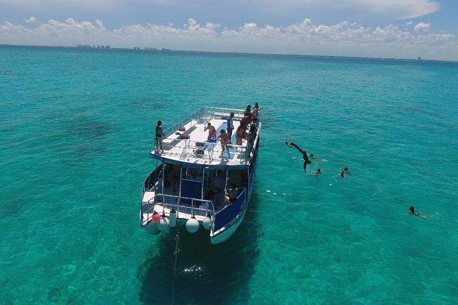Catamaran Sightseeing Tour to Isla Mujeres