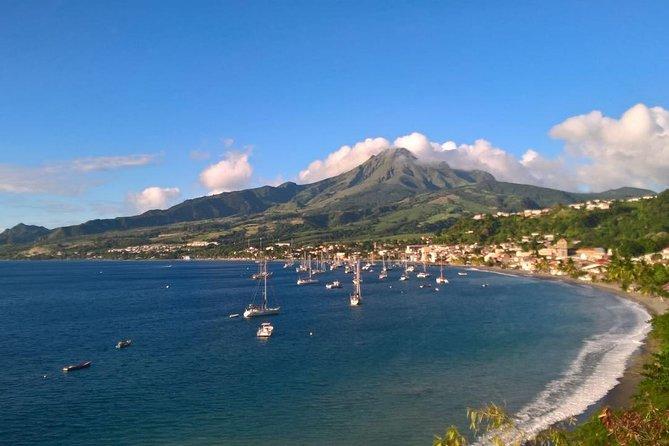 Tour en grupos pequeños: Martinica imperdible con destilería de ron, ruinas y más