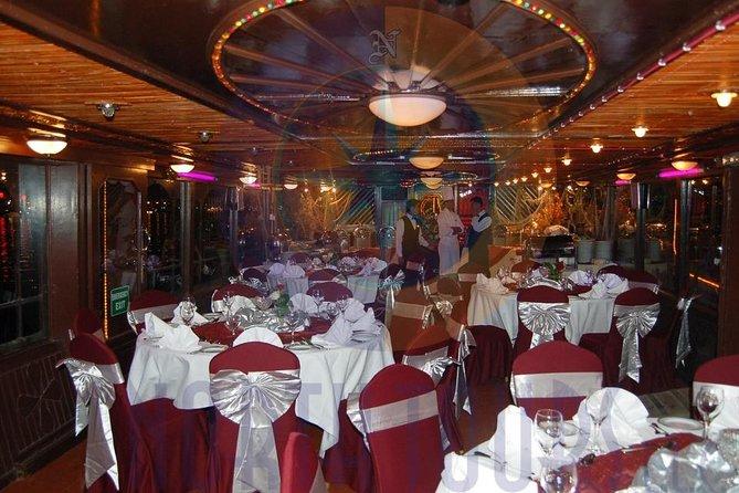 Dubai Creek Cruise with Dinner in Floating Restaurant