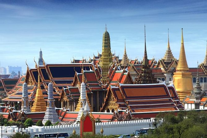 Half Day Royal Grand Palace and Bangkok Canal Group Tour photo 1