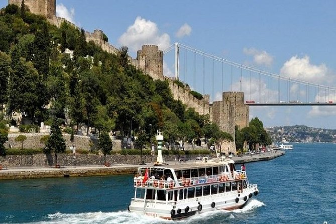 Istanbul Half Day Morning Bosphorus Cruise Tour photo 1