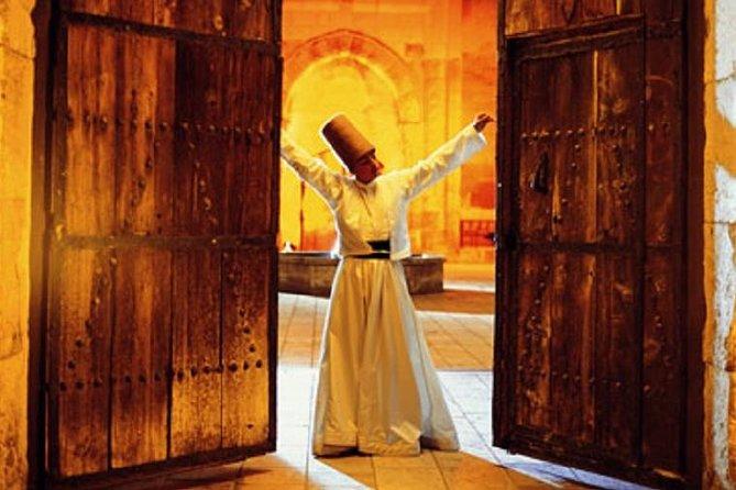 ceremonie-les-derviches-tourneurs-a-cappadoce