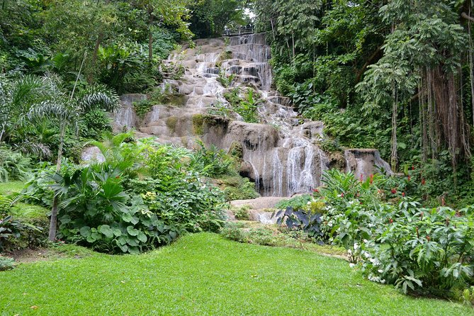 Shared Konoko Falls and Tropical Garden Tour from Ocho Rios
