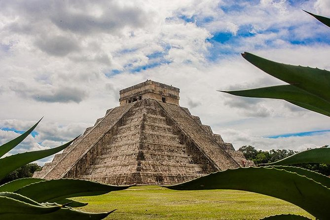 Chichen Itzá, community cenote and Valladolid Small groups day Trip from Tulum