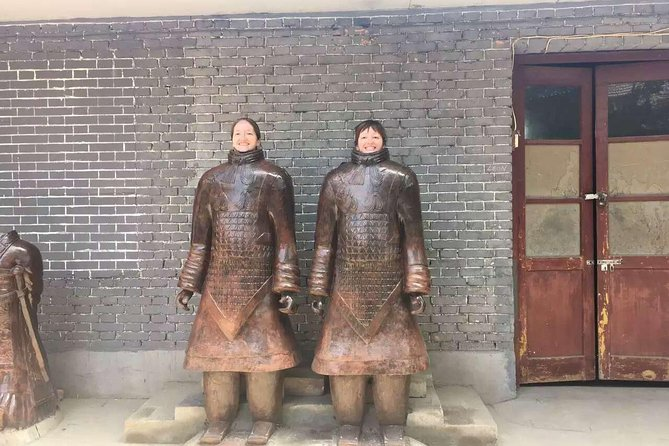 Group Tour of Terracotta Warriors Qin Shi Huang Mausoleum in Xi'an