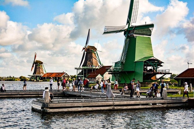 Private daytrip Giethoorn and the Windmills of Zaanse Schans