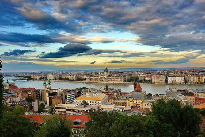 Budapest Private Full Day City Tour with a comfortable air -conditioned car