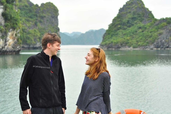 Halong Bay and Lan Ha Bay from Cat Ba Island: Cruise and Kayak Tour