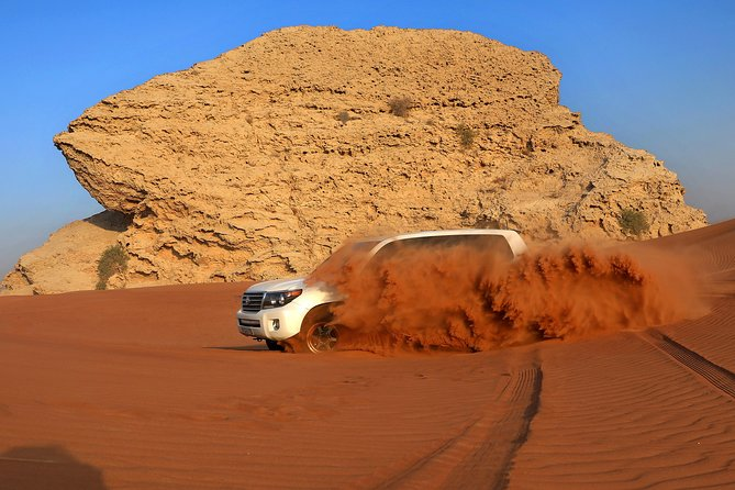 Dubai Desert Safari and BBQ Dinner with Professional Photographer