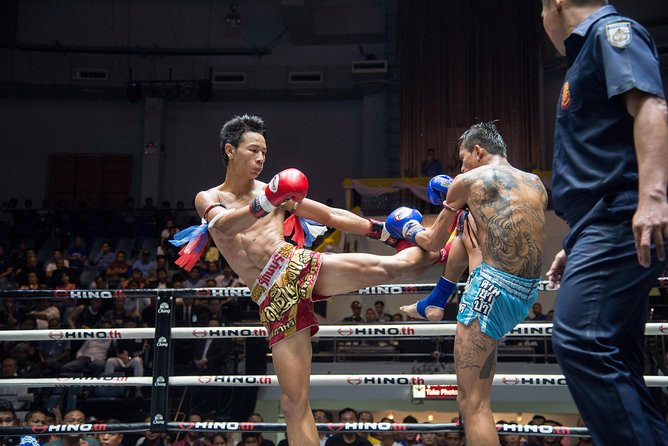 Real Muay Thai Boxing Show at Rajadamnern Stadium