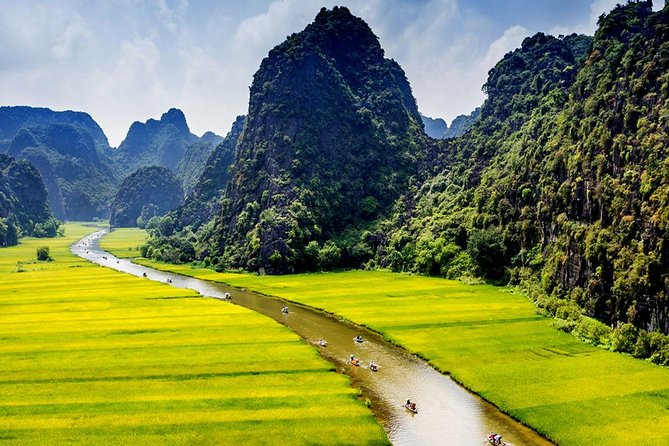 Hoa Lu - Trang An Group Tour 1 Day From Ha Noi City