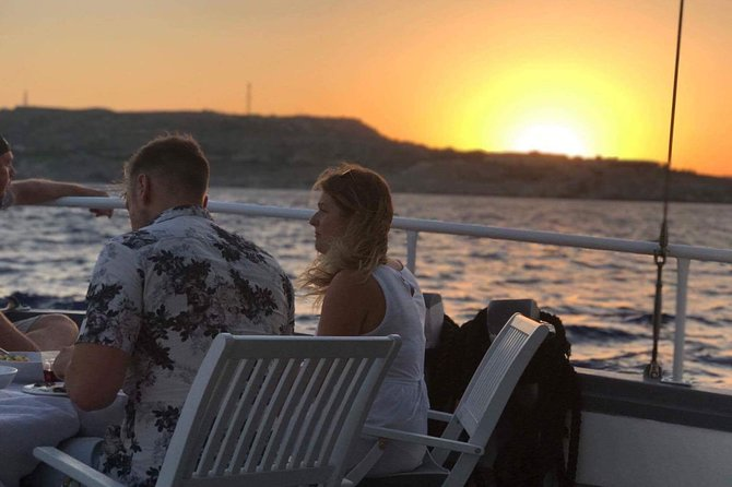Romantika 3-Hour Sunset Dinner Cruise