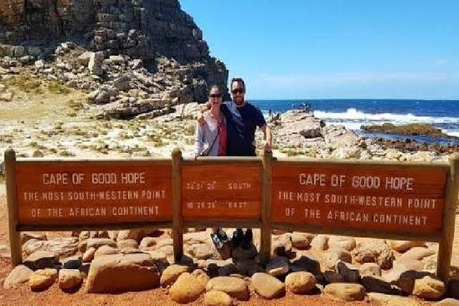 4 DAY ULTIMATE CAPE TOWN EXPERIENCE - Table Mountain, Safari, Cape Point, Wines