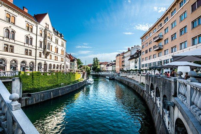 Private Ljubljana City Walk and Boat Cruise along the Ljubljanica