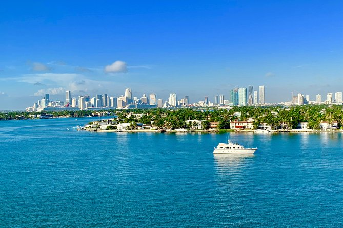Miami Movie Tour with Boat - small group - English,Spanish,German