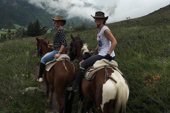世界の中とプーララアの乗馬ツアー