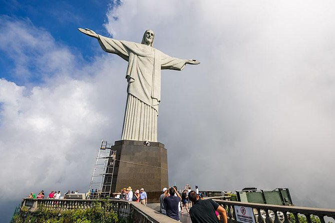 Christ the Redeemer Statue Hiking Tour + Lage Park