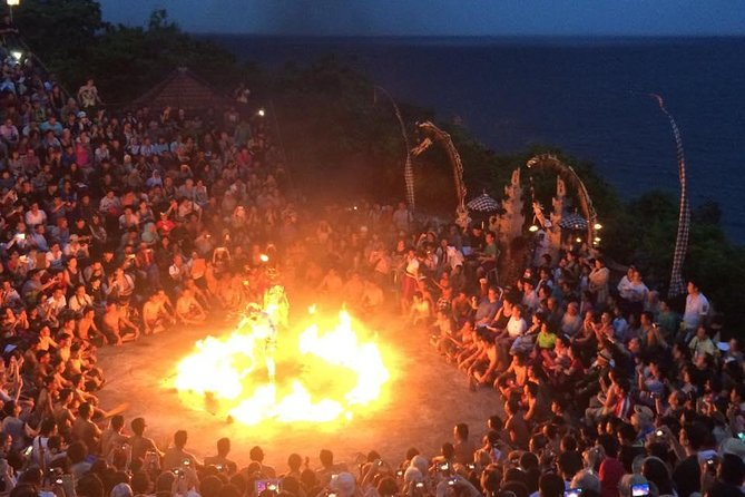 Private Uluwatu Temple,Kecak Fire Dance Evening Tour with Dinner in Jimbaran bay