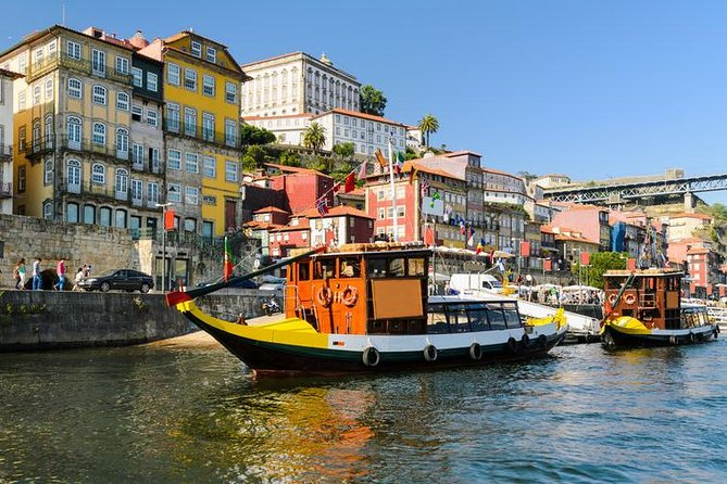 Porto city small group full-day tour with wine tasting and cruise in Douro River