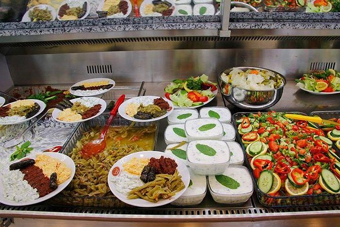 Walking Tour for Foodies in Istanbul with Tastings