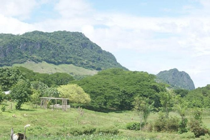 Scenic Sigatoka Valley Drive, Fijian Pottery Village, Local School & Sand Dunes