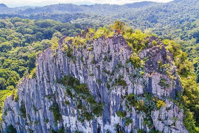 3-Day Borneo Cave and Pinnacles Adventure with Waterfall Hunting in Orou Sapulot