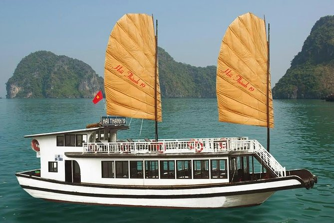 Full-Day Tour to Ha Long Bay from Hanoi
