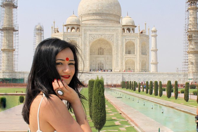 Safe and secure taj mahal day trip for Womens with Heena Painting