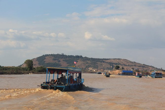 Join Group Tour To Floating Village in Siem Reap